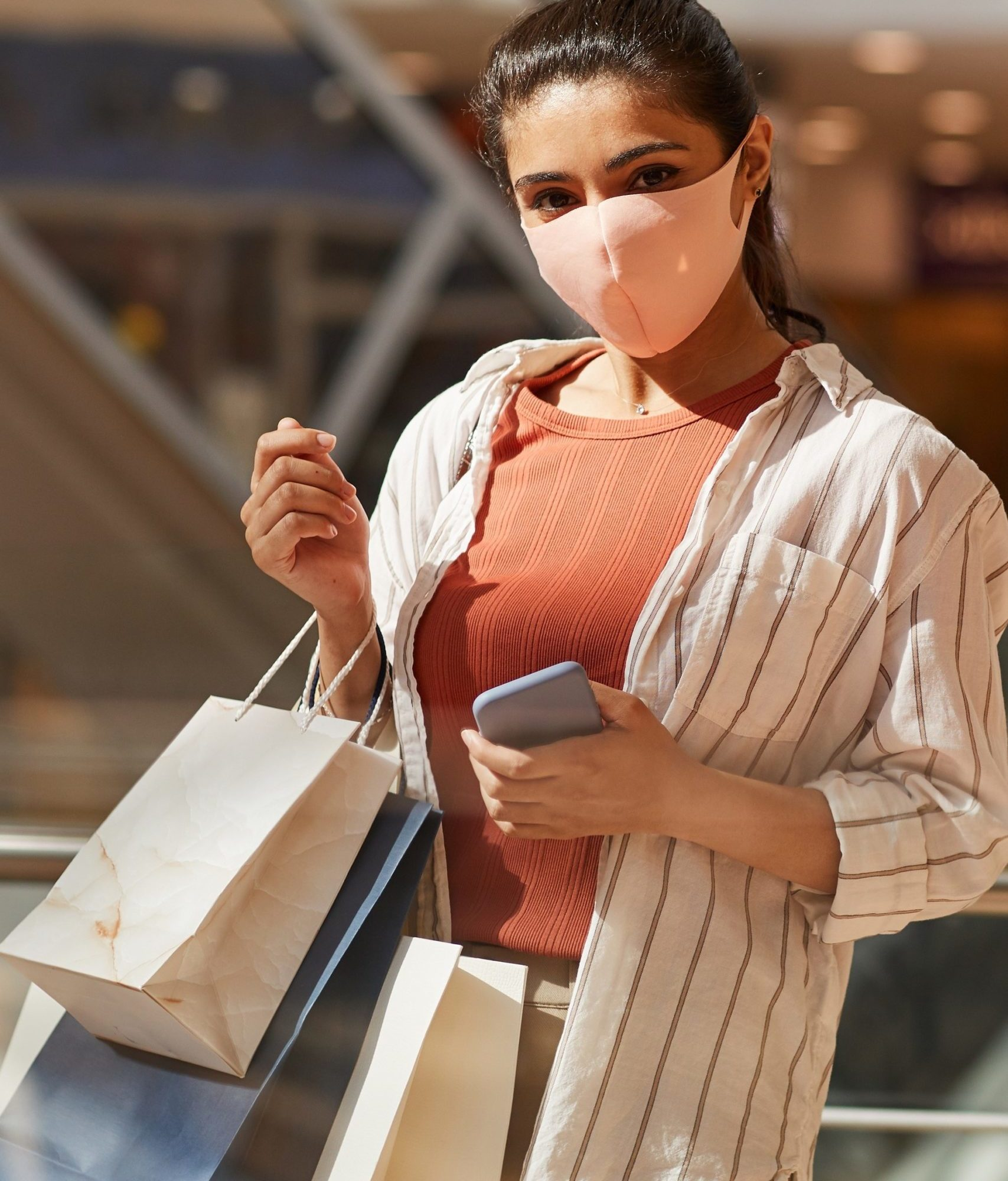 woman-wearing-mask-in-shopping-mall-ETW5SML